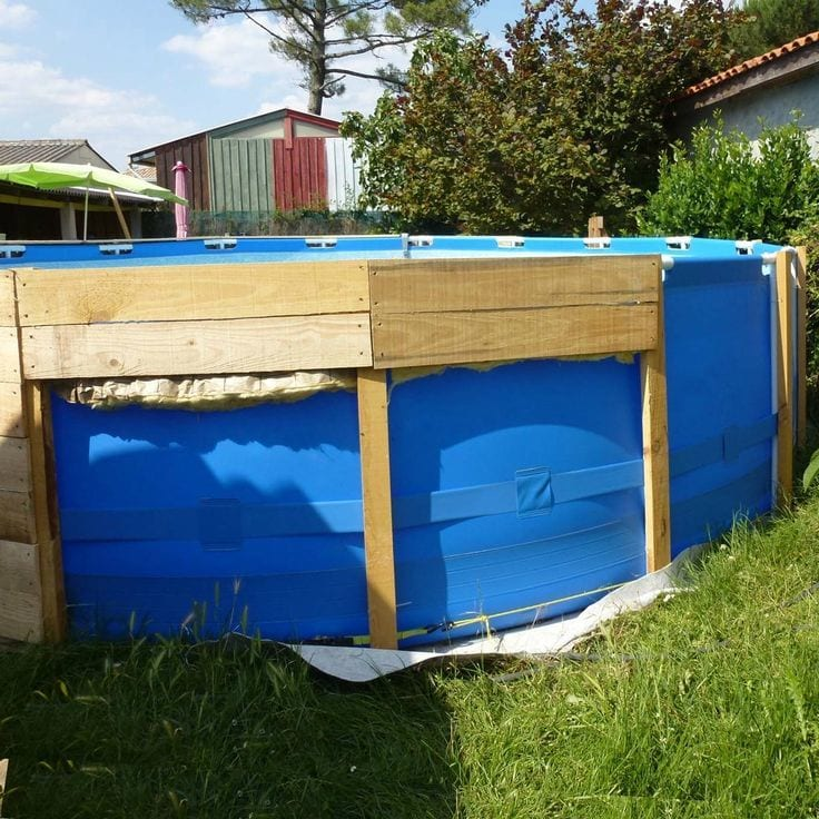 piscine autoportante coffrage bois